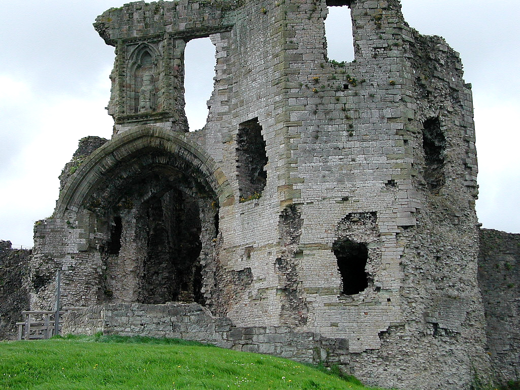Opinions on Denbigh CastleWhat do you think of Denbigh Castle?