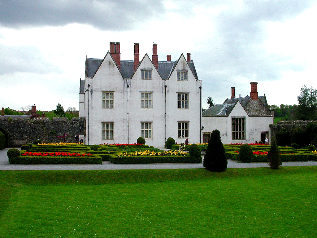 Hotels Near St Fagans