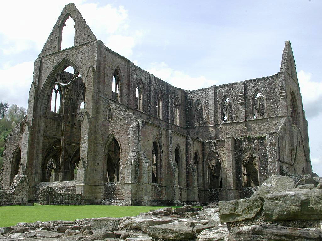 close reading on tintern abbey Alienation, memory, and childhood: the quest for meaning in adult life a reading of tintern abbey his boyish encounters in tintern abbey constitute more to do.